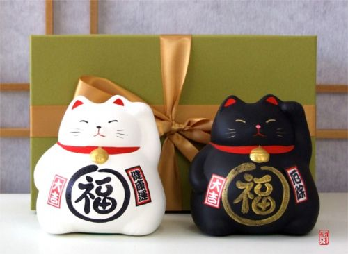 Gift Set - Japanese Maneki Neko Lucky Cats X2 Black and White medium size
